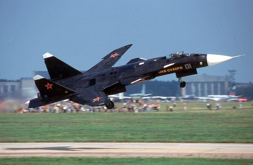 آشنایی با جنگنده بال معکوس سوخو 47 !