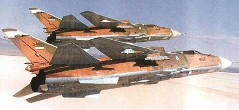 هواپیماهای سوخو Su-24 ایرانی در حال پرواز بر ناحیه خلیج فارس