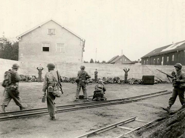 جنایات آمریکایی ها در اردوگاه داخاو