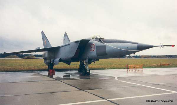 قسمت دوم /درآمدی برحاشیه های حضور جنگنده  بلند پرواز میگ25 در جنگ هشت ساله !