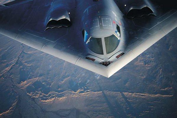 پیشینه و شکل گیری بمب افکن B-2 !