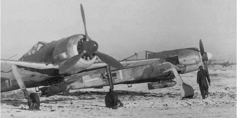 نسخه تهاجمی 190 اف و بمب 250 کیلوگرمی زیر بدنه