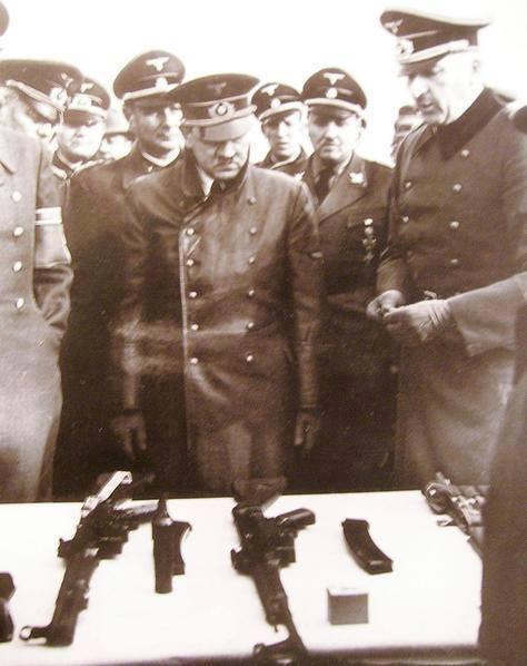 آدولف هیتلر و سلاح جدید هجومی STG-44