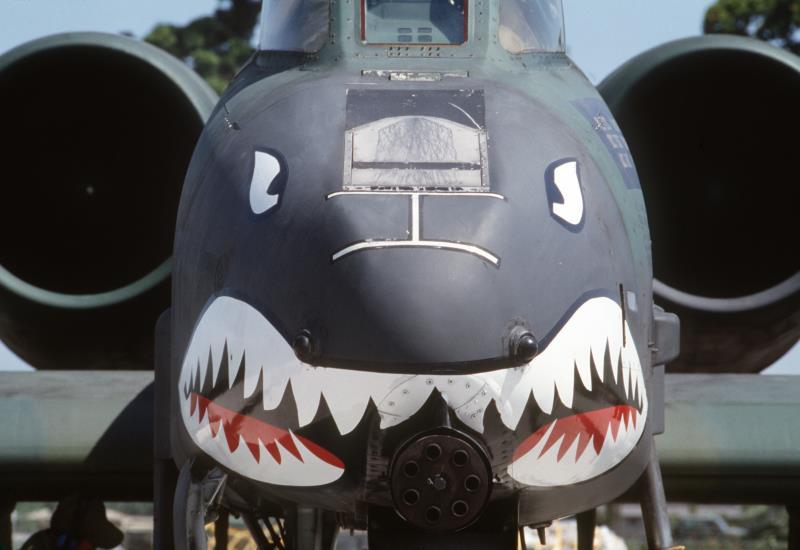 معرفی جنگنده A-10 Thunderbolt ، شکارچی زرهی ارتش آمریکا !